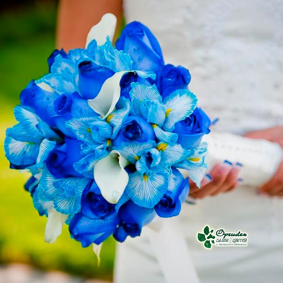 букет невесты из синих цветов